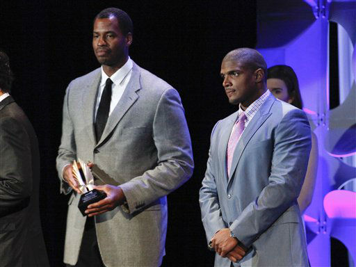 """<div class=""""meta image-caption""""><div class=""""origin-logo origin-image none""""><span>none</span></div><span class=""""caption-text"""">Jason Collins, left, and Michael Sam, right, attend the 26th Annual GLAAD Media Awards at the Waldorf Astoria. (Photo by Andy Kropa/Invision/AP) (Photo/Andy Kropa)</span></div>"""