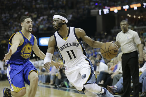 """<div class=""""meta image-caption""""><div class=""""origin-logo origin-image none""""><span>none</span></div><span class=""""caption-text"""">Memphis Grizzlies guard Mike Conley (11) moves past Golden State Warriors guard Klay Thompson (11) in the second half of Game 4 of NBA basketball Western Conference playoff game. (AP Photo/Mark Humphrey)</span></div>"""