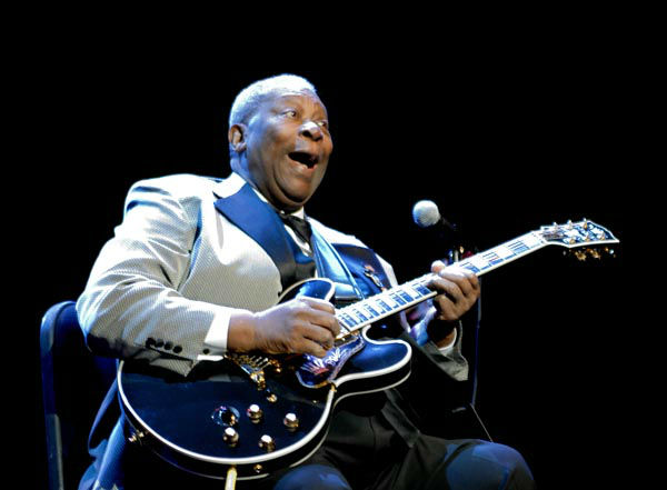 """<div class=""""meta image-caption""""><div class=""""origin-logo origin-image none""""><span>none</span></div><span class=""""caption-text"""">Blues artist B.B. King performs at the Grand Sierra Resort and Casino in Reno, Nev., on Friday, Oct. 26, 2007. (AP Photo/ KEVIN CLIFFORD)</span></div>"""