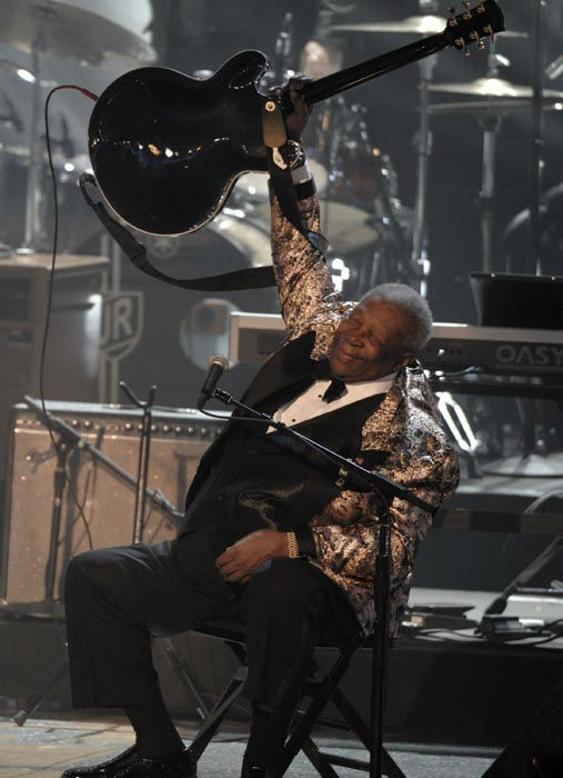 """<div class=""""meta image-caption""""><div class=""""origin-logo origin-image none""""><span>none</span></div><span class=""""caption-text"""">B.B. King performs at """"The Grammy Nominations Concert Live"""" in Los Angeles on Wednesday Dec. 3, 2008. (AP Photo/ Chris Pizzello)</span></div>"""