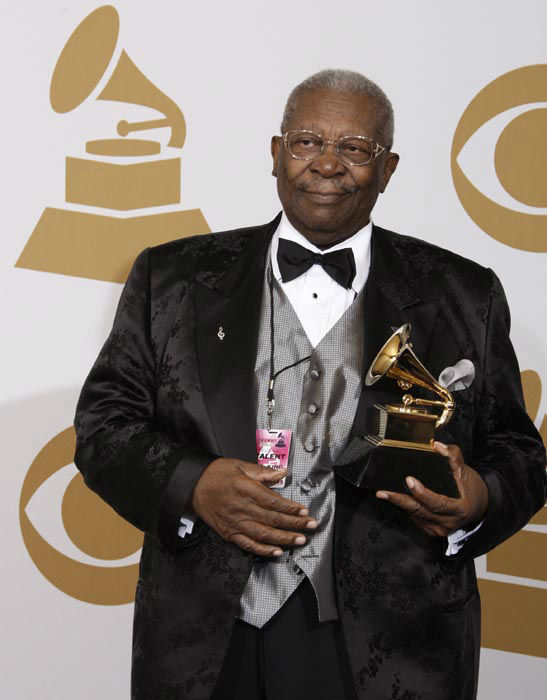 """<div class=""""meta image-caption""""><div class=""""origin-logo origin-image none""""><span>none</span></div><span class=""""caption-text"""">B.B. King poses backstage with his award for Best Traditional Blues Album for """"One Kind Favor"""" at the 51st Annual Grammy Awards on Sunday, Feb. 8, 2009, in Los Angeles. (AP Photo/ Matt Sayles)</span></div>"""