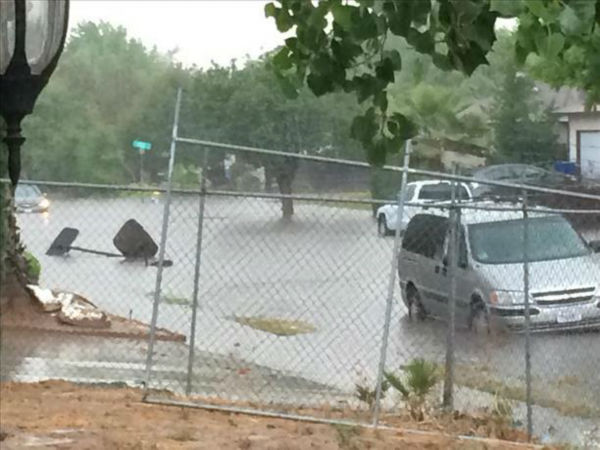 "<div class=""meta image-caption""><div class=""origin-logo origin-image none""><span>none</span></div><span class=""caption-text"">Large thunderstorm hits Fresno and the surrounding areas cause widespread flood on Thursday (KFSN Photo)</span></div>"