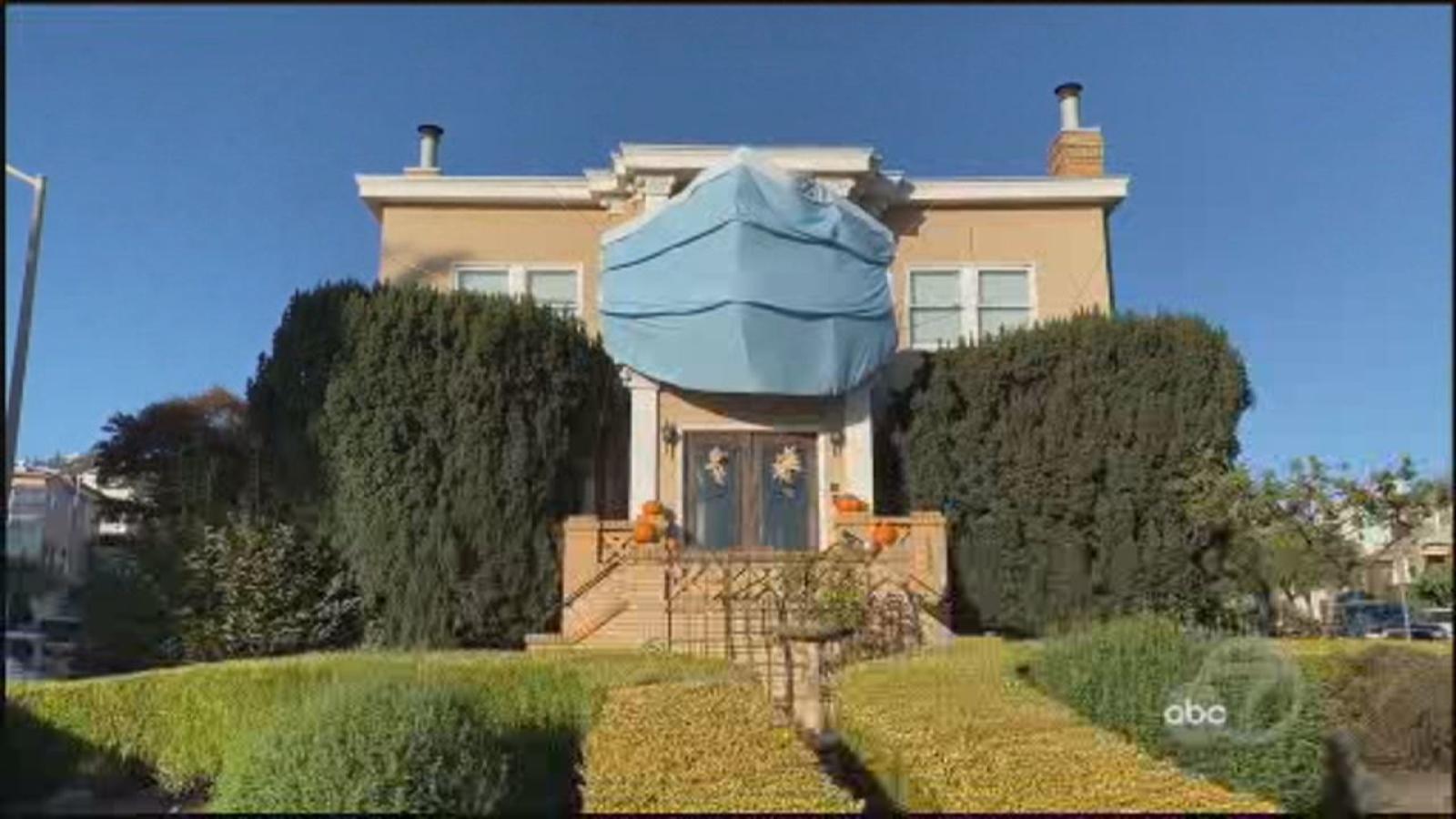 San Francisco house wears a mask for Halloween