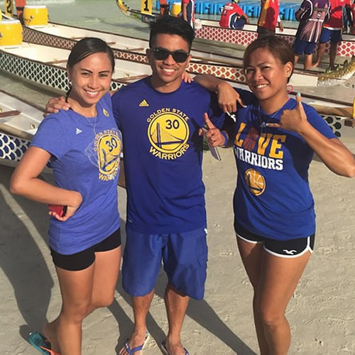 <div class='meta'><div class='origin-logo' data-origin='none'></div><span class='caption-text' data-credit='Photo submitted by shaerocs via Instagram'>These fans show their Warriors pride on the beach! Tag your photos on Facebook, Twitter, Google Plus, or Instagram using #DubsOn7!</span></div>