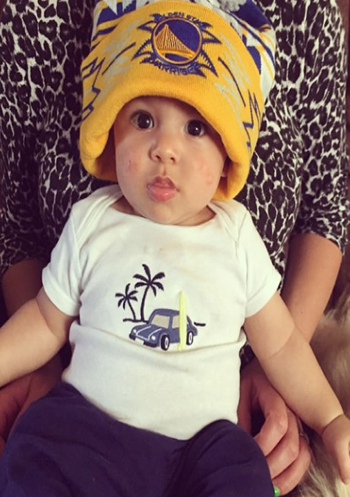 <div class='meta'><div class='origin-logo' data-origin='none'></div><span class='caption-text' data-credit='Photo submitted by itsaiyannatho10 via Instagram'>What an adorable Warriors fan! Tag your photos on Facebook, Twitter, Google Plus, or Instagram using #DubsOn7!</span></div>