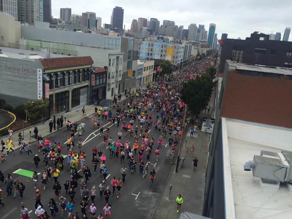"<div class=""meta image-caption""><div class=""origin-logo origin-image none""><span>none</span></div><span class=""caption-text"">Thousands of runners participate in San Francisco's annual Bay to Breakers Race on May 17, 2015. (Photo submitted by Johnny/Twitter)</span></div>"