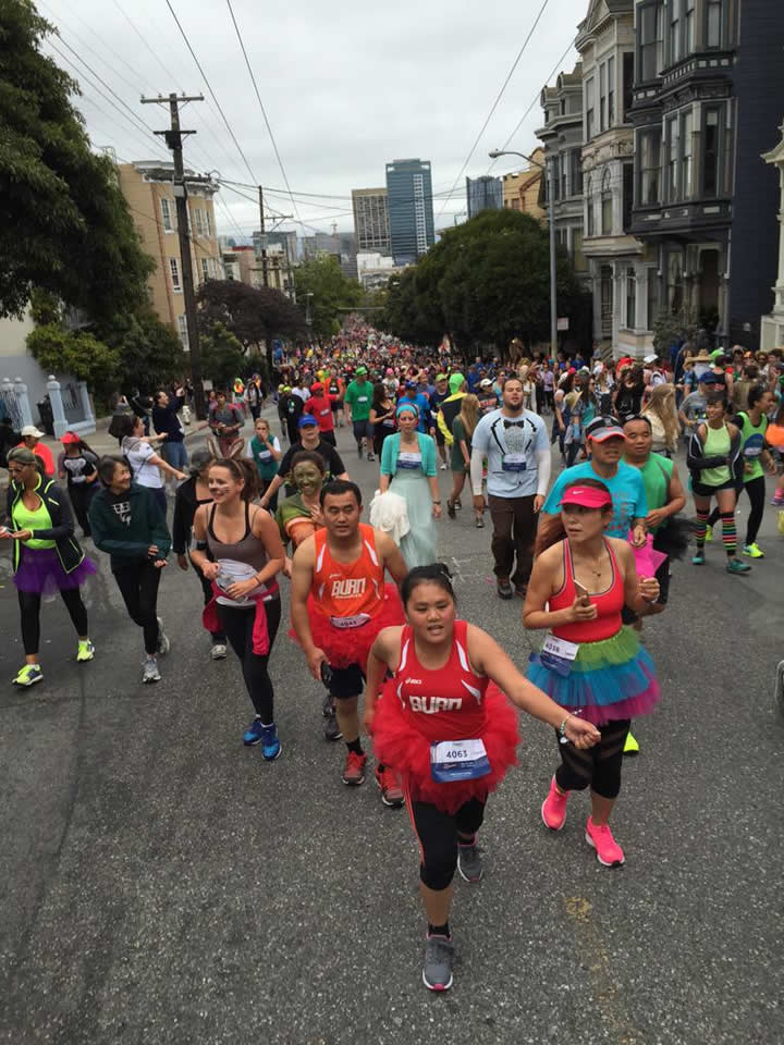 "<div class=""meta image-caption""><div class=""origin-logo origin-image none""><span>none</span></div><span class=""caption-text"">Thousands of runners participate in San Francisco's annual Bay to Breakers Race on May 17, 2015. (Photo submitted to KGO-TV by Paul H./Twitter)</span></div>"