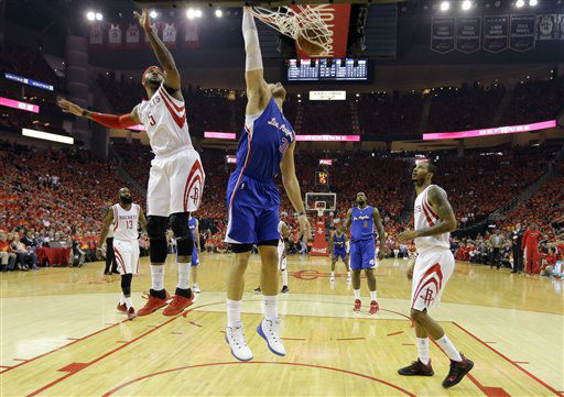 "<div class=""meta image-caption""><div class=""origin-logo origin-image none""><span>none</span></div><span class=""caption-text"">Los Angeles Clippers forward Blake Griffin (32) dunks as Houston Rockets forward Josh Smith (5) defends (AP Photo/ David J. Phillip)</span></div>"