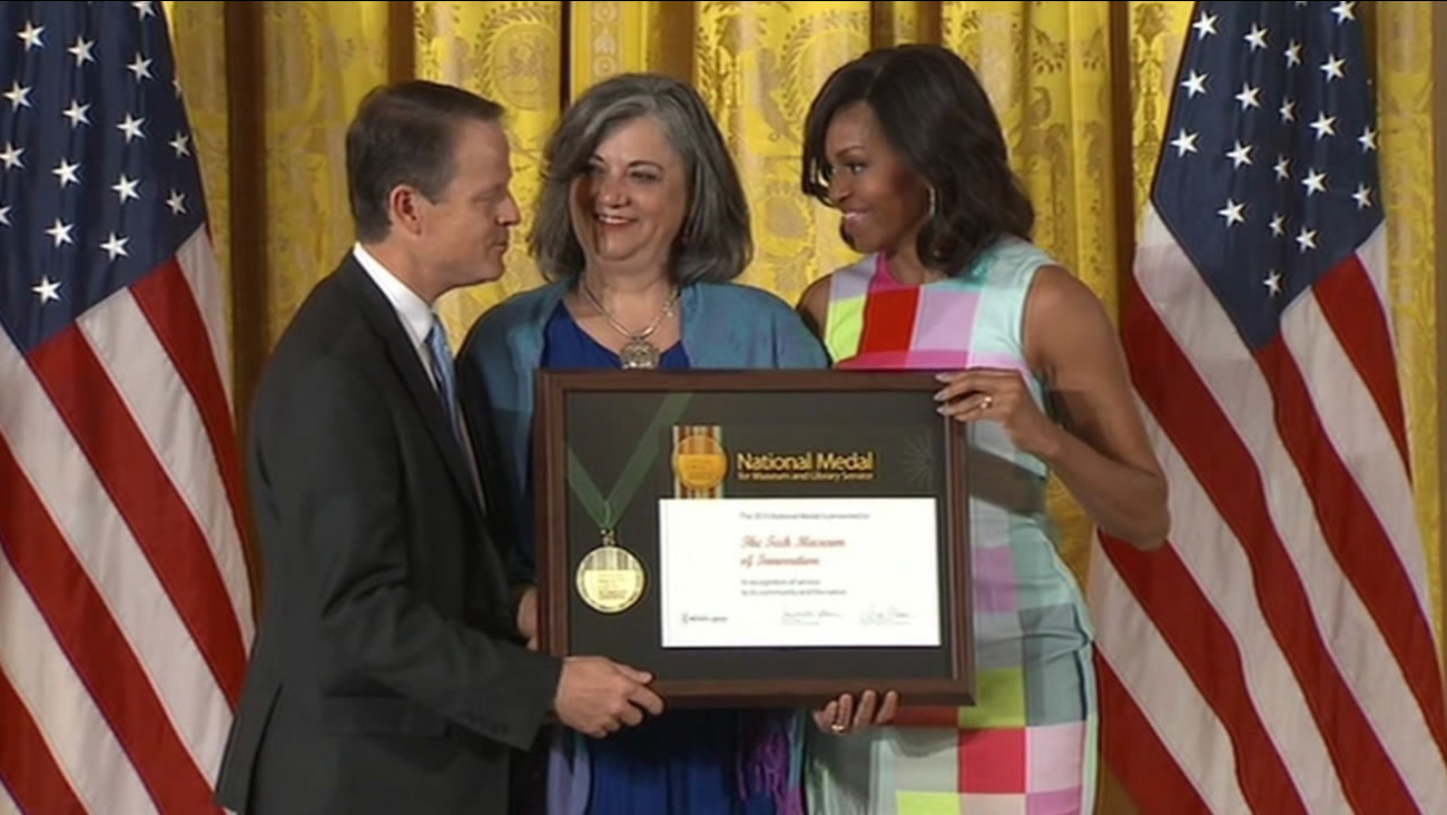 Michelle Obama presents Tech Museum of Innovation in San Jose with National medal