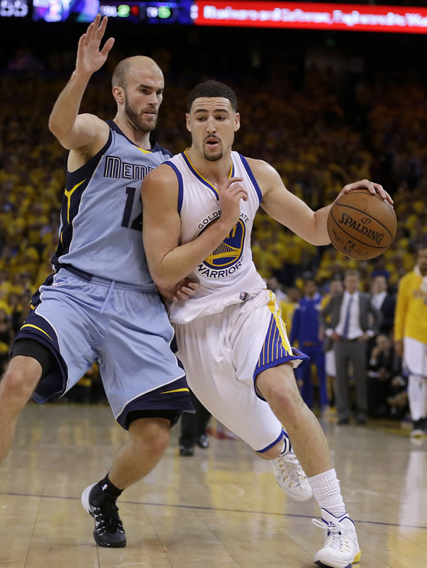 """<div class=""""meta image-caption""""><div class=""""origin-logo origin-image none""""><span>none</span></div><span class=""""caption-text"""">Warriors guard Klay Thompson dribbles against Grizzlies guard Nick Calathes during Game 5 of the Western Conference Semifinals in Oakland, Calif. On Wednesday, May 13, 2015. (AP Photo/Ben Margot)</span></div>"""