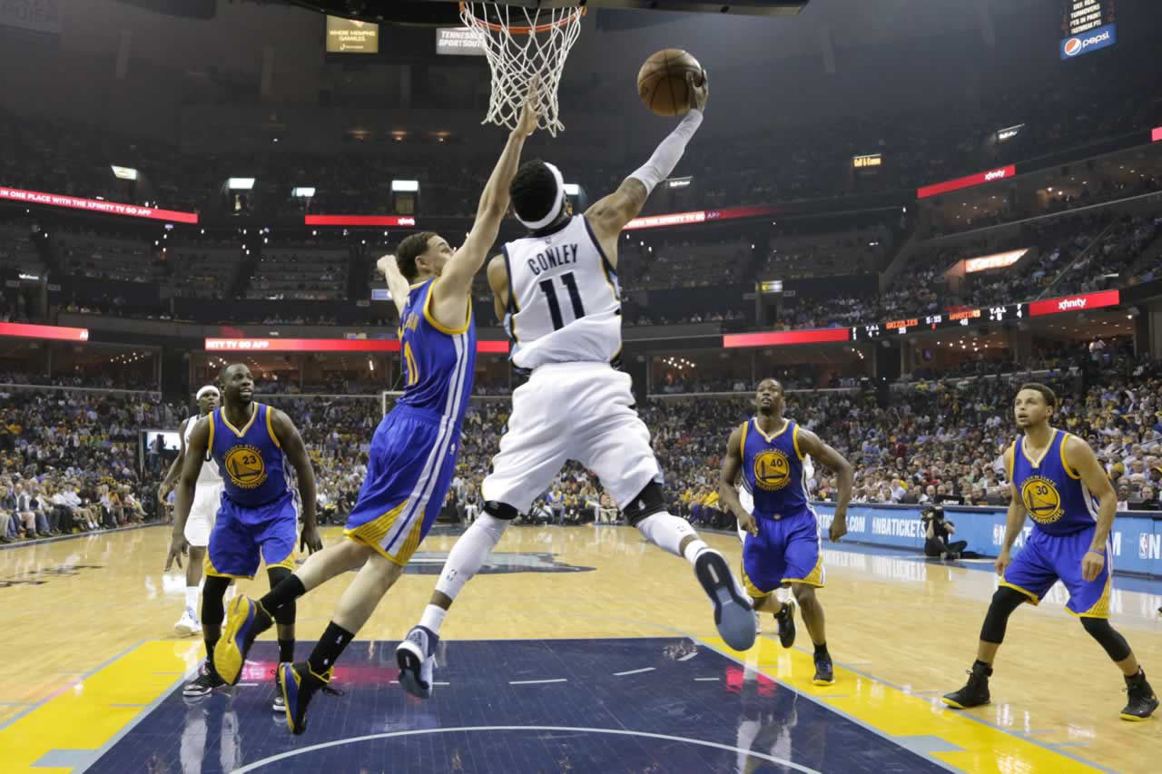 """<div class=""""meta image-caption""""><div class=""""origin-logo origin-image none""""><span>none</span></div><span class=""""caption-text"""">Grizzlies guard Mike Conley shoots against Warriors Guard Klay Thompson in Game 6 of the Western Conference Semifinals on Friday, May 15, 2015 in Memphis, Tenn. (AP Photo/Mark Humphrey)</span></div>"""