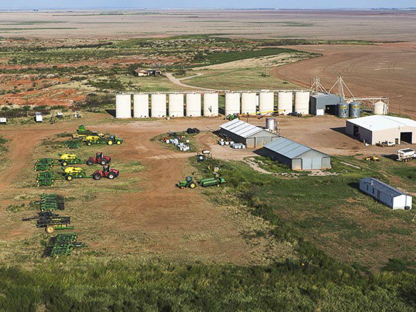 """<div class=""""meta image-caption""""><div class=""""origin-logo origin-image none""""><span>none</span></div><span class=""""caption-text"""">Sprawling across 510,527 acres, the W.T. Waggoner Estate Ranch is one of the largest ranches in the United States (Photo/Briggs Freeman)</span></div>"""