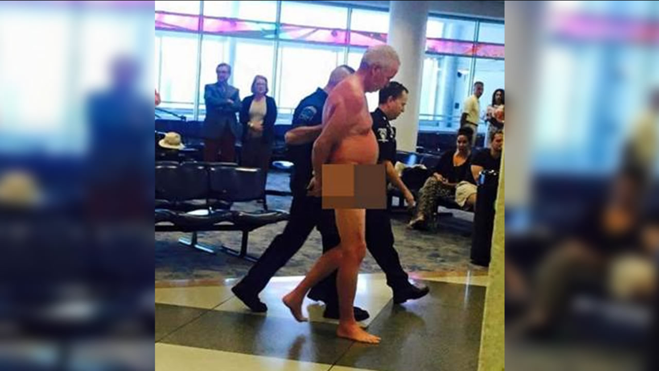 Man strips naked at Charlotte airport