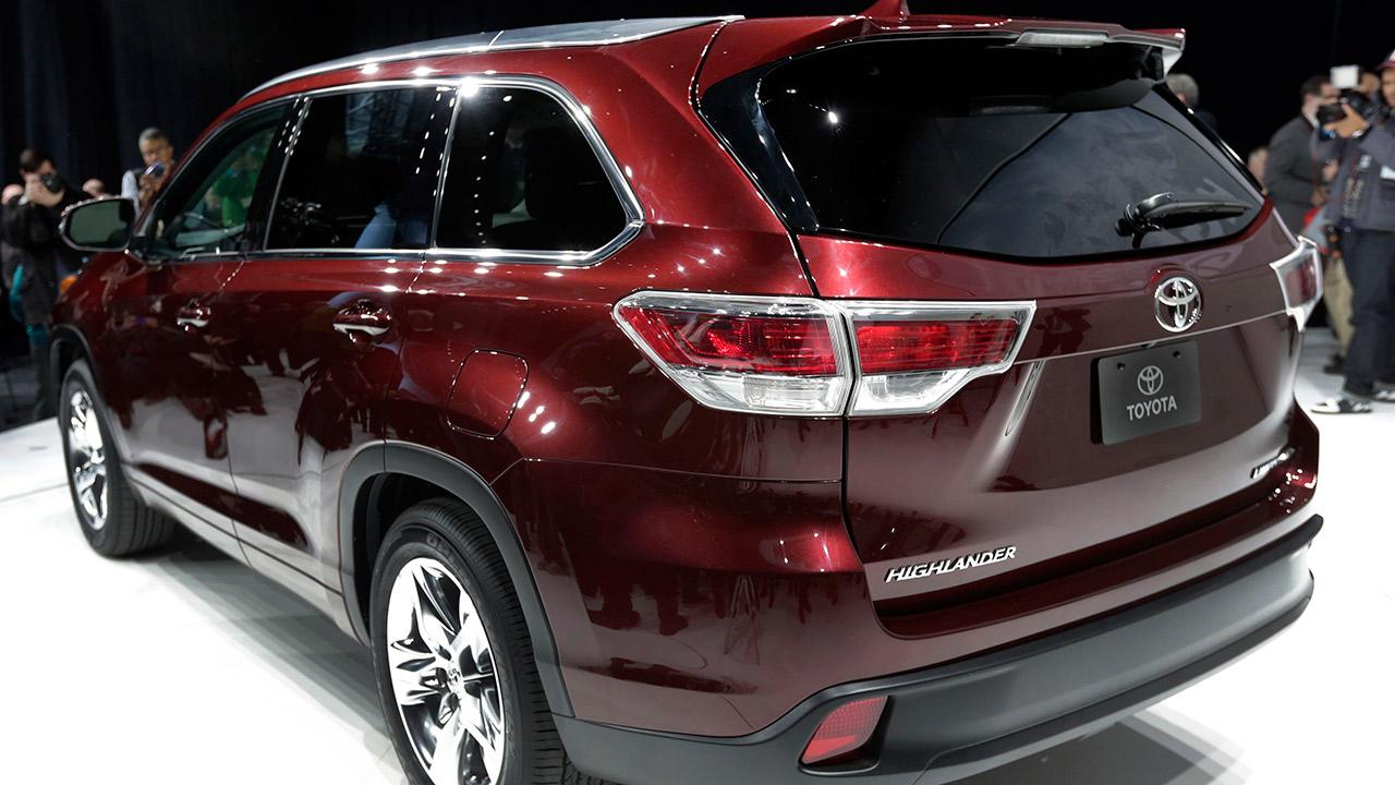 Toyota recalling 430,500 Sienna minivans, Highlander SUVs