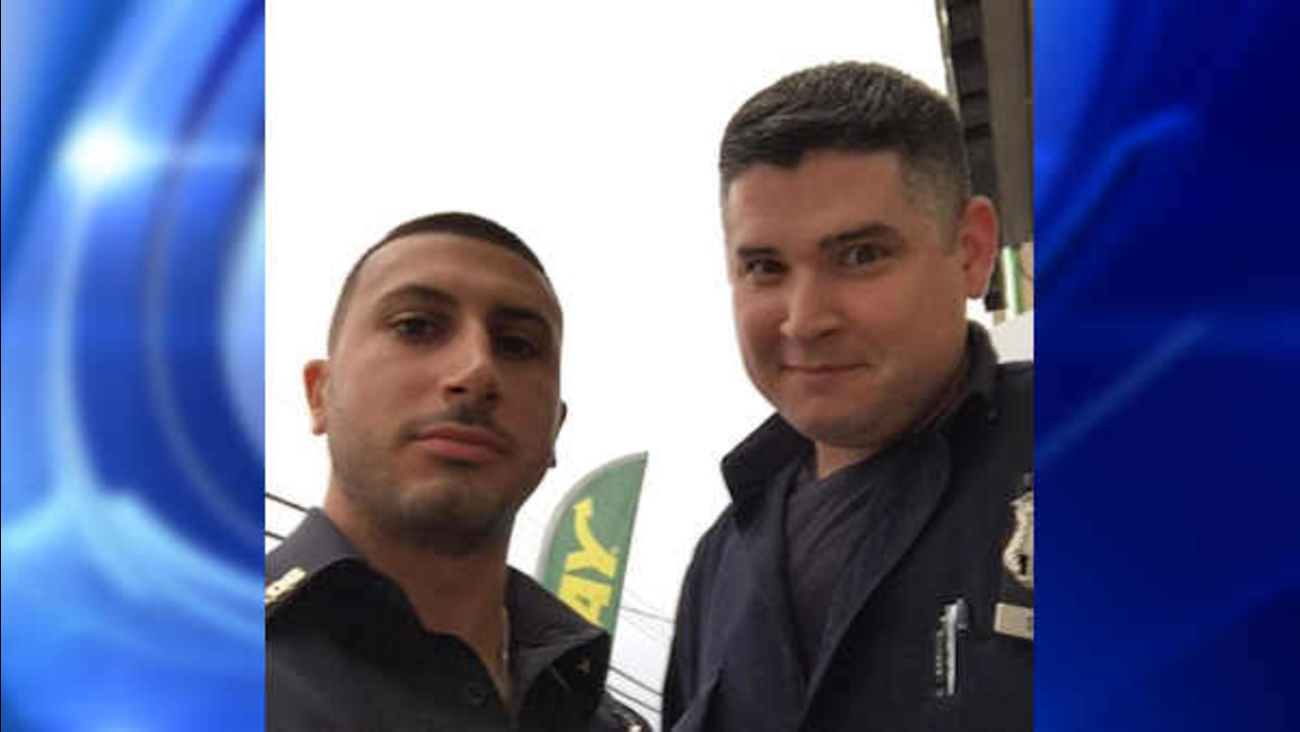 nypd officers thwart metropcs robbery queens