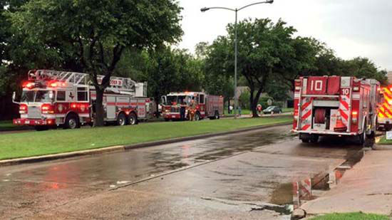 """<div class=""""meta image-caption""""><div class=""""origin-logo origin-image none""""><span>none</span></div><span class=""""caption-text"""">An apartment building in southwest Houston has partially collapsed, possibly due to a tornado (KTRK Photo/ KTRK/Steve Campion)</span></div>"""