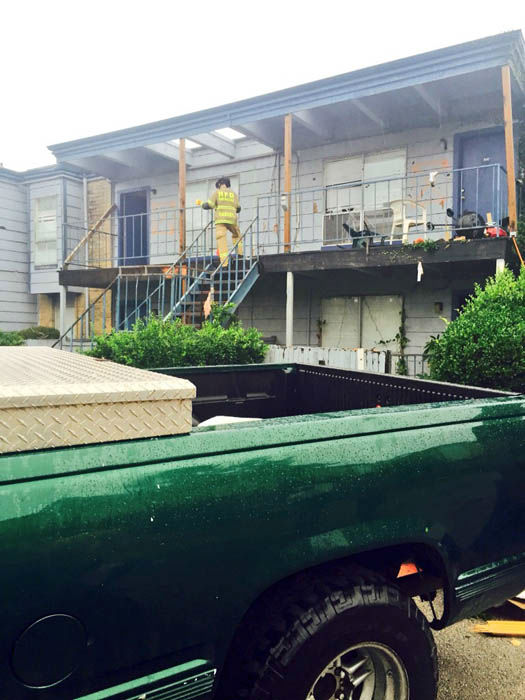 """<div class=""""meta image-caption""""><div class=""""origin-logo origin-image none""""><span>none</span></div><span class=""""caption-text"""">A tornado may be to blame for this damage at a southwest Houston apartment complex (Photo/Steve Campion)</span></div>"""