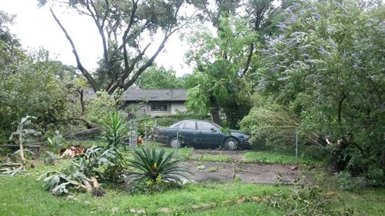 """<div class=""""meta image-caption""""><div class=""""origin-logo origin-image none""""><span>none</span></div><span class=""""caption-text"""">Damage seen in a neighborhood in the Houston area (Photo/Quinton Ray)</span></div>"""