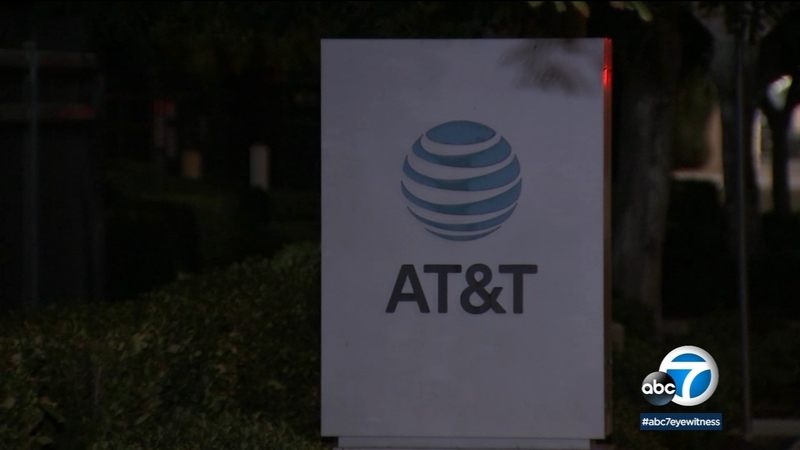 At T Shuts Down Call Center In Orange County After Covid 19 Outbreak Abc7 Los Angeles