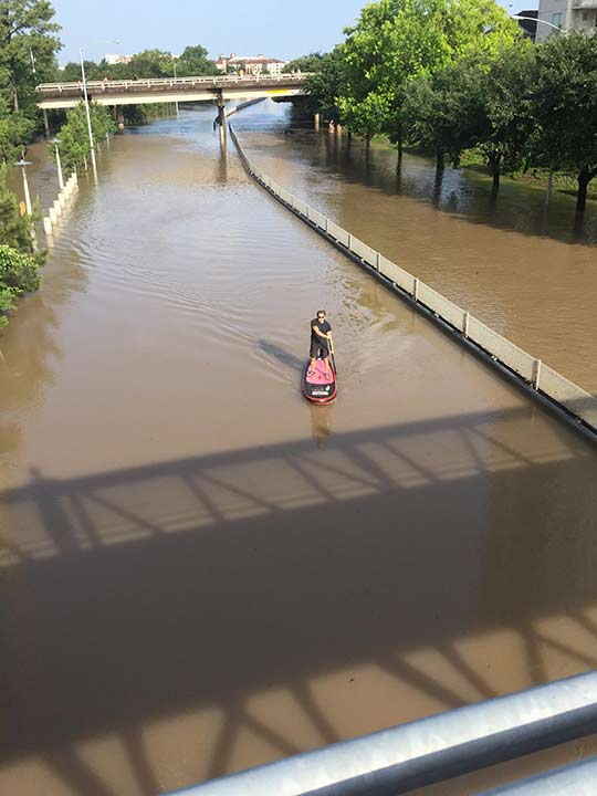 "<div class=""meta image-caption""><div class=""origin-logo origin-image none""><span>none</span></div><span class=""caption-text"">Houstonians used any means available to travel across flood waters</span></div>"