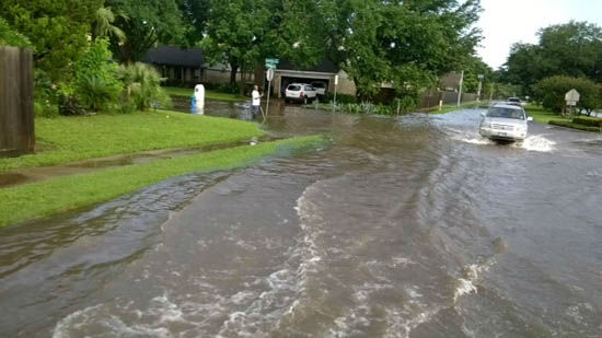 "<div class=""meta image-caption""><div class=""origin-logo origin-image none""><span>none</span></div><span class=""caption-text"">These are viewer photos of storms that left Houston under water Monday and Tuesday, May 25-26.  Send your photos to us at news@abc13.com (Photo/iWitness Reports)</span></div>"