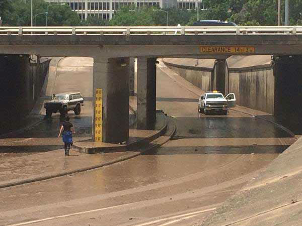 "<div class=""meta image-caption""><div class=""origin-logo origin-image none""><span>none</span></div><span class=""caption-text"">Allen Parkway finally is clear of the flood waters by Wednesday afternoon, May 27, 2015. (Pooja Lodhia/Photo)</span></div>"