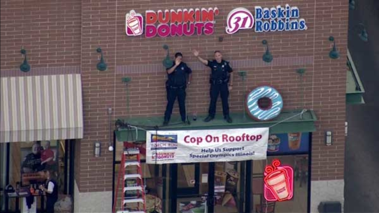 Cops Stake Out Dunkin Donuts Rooftops To Raise Funds Awareness For Special Olympics Illinois Abc7 Chicago