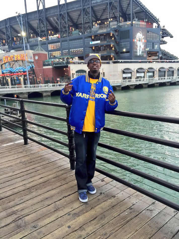 <div class='meta'><div class='origin-logo' data-origin='none'></div><span class='caption-text' data-credit='Photo submitted by Jer-rod J./Twitter'>Let's go Dubs! Tag your photos on Facebook, Twitter, Google Plus or Instagram using #DubsOn7.</span></div>