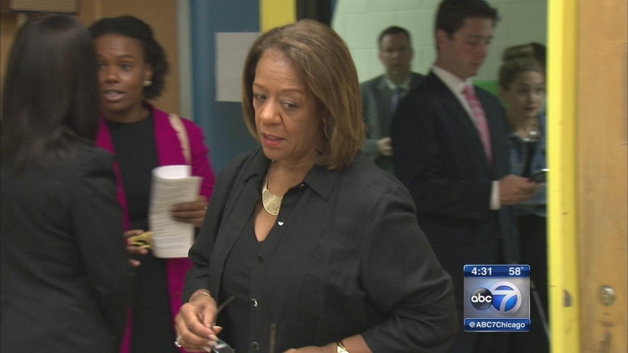 Byrd-Bennett resigns