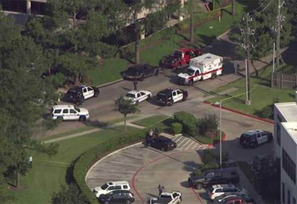 """<div class=""""meta image-caption""""><div class=""""origin-logo origin-image none""""><span>none</span></div><span class=""""caption-text"""">Houston police officers fatally shot a suspected burglar in his vehicle in southeast Houston Wednesday morning. (Photo/ABC-13)</span></div>"""