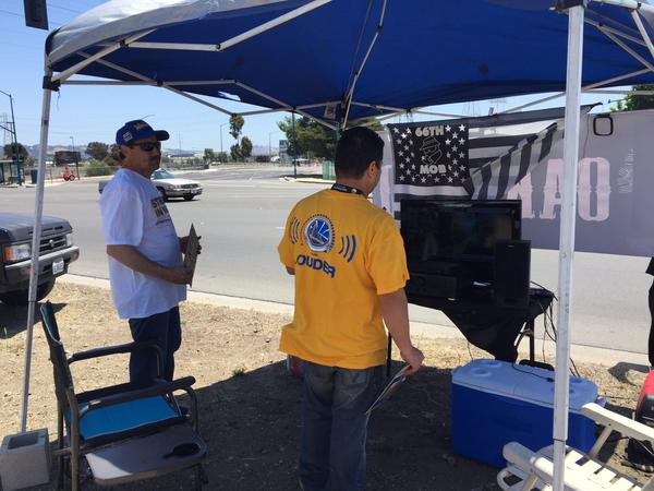 "<div class=""meta image-caption""><div class=""origin-logo origin-image none""><span>none</span></div><span class=""caption-text"">Early bird tailgaters are already arriving at Oracle Arena ahead of Game 1 of the NBA Playoff Finals against the Cavaliers on Thursday, June 4, 2015. (KGO-TV)</span></div>"
