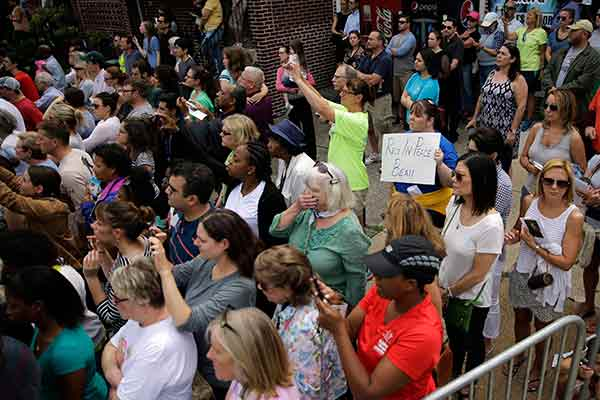 "<div class=""meta image-caption""><div class=""origin-logo origin-image ap""><span>AP</span></div><span class=""caption-text"">Mourners view the funeral procession for former Delaware Attorney General Beau Biden, Saturday, June 6, 2015, at St. Anthony of Padua Roman Catholic Church in Wilmington, Del. (Matt Rourke)</span></div>"