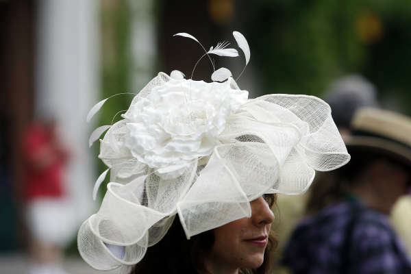 """<div class=""""meta image-caption""""><div class=""""origin-logo origin-image none""""><span>none</span></div><span class=""""caption-text"""">Shaena Kershner, of Buffalo, N.Y., wears an elaborate hat before the 147th running of the Belmont Stakes horse race at Belmont Park. (AP Photo/ Jason DeCrow)</span></div>"""