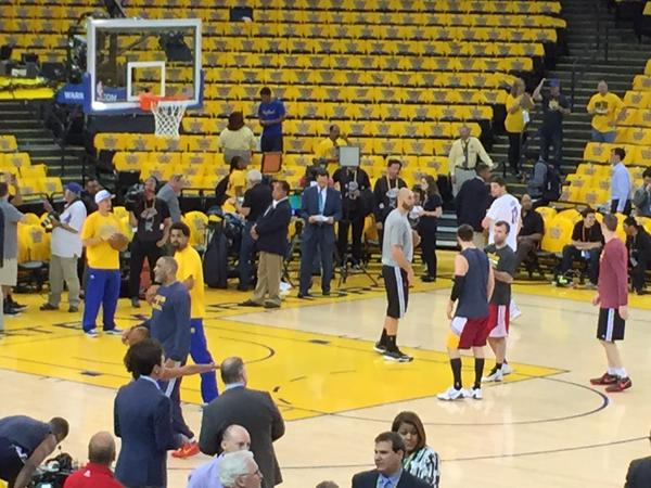 "<div class=""meta image-caption""><div class=""origin-logo origin-image none""><span>none</span></div><span class=""caption-text"">Spotted! Larry Beil on the floor before Game 2 of the NBA Finals at Oracle Arena on Sunday, June 7, 2015. (KGO-TV)</span></div>"