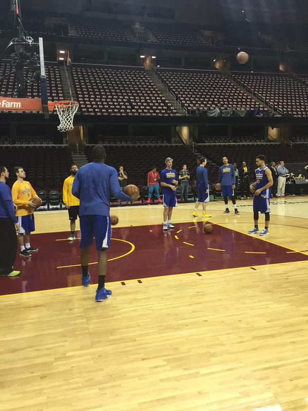 "<div class=""meta image-caption""><div class=""origin-logo origin-image none""><span>none</span></div><span class=""caption-text"">Stephen Curry and his Dubs are tuning up for Game 3 of the NBA Finals on Tuesday, June 9, 2015 in Cleveland, Ohio. (KGO-TV)</span></div>"