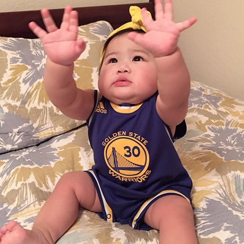 <div class='meta'><div class='origin-logo' data-origin='none'></div><span class='caption-text' data-credit='Photo submitted to KGO-TV by kiksdizon/Instagram'>Warriors fans, put your hands in the air! Tag your photos on Facebook, Twitter, Google Plus or Instagram using #DubsOn7.</span></div>