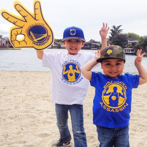 <div class='meta'><div class='origin-logo' data-origin='none'></div><span class='caption-text' data-credit='Photo submitted to KGO-TV by maexhadden/Instagram'>Baby Splash Brothers are ready for Game 3! Tag your photos on Facebook, Twitter, Google Plus or Instagram using #DubsOn7.</span></div>