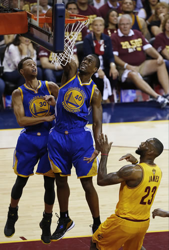 """<div class=""""meta image-caption""""><div class=""""origin-logo origin-image none""""><span>none</span></div><span class=""""caption-text"""">Golden State Warriors forward Harrison Barnes (40) gets a slam dunker in front of teammate Stephen Curry and Cleveland Cavaliers forward LeBron James (23). (AP Photo/Paul Sancya)</span></div>"""