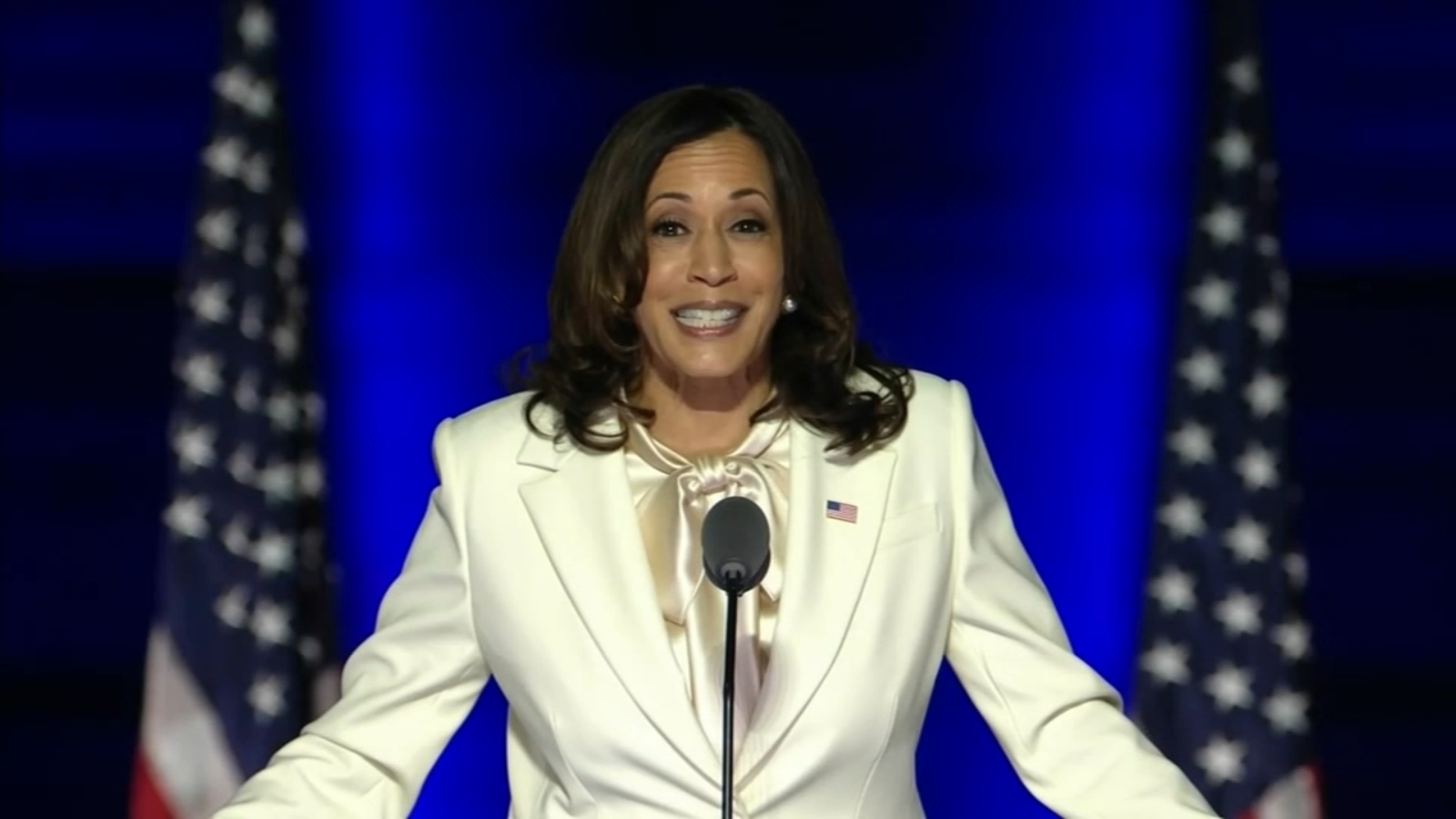 Kamala Harris Alpha Kappa Alpha Sorority Sisters Celebrate Historic Win In 2020 Presidential Election Abc7 Chicago