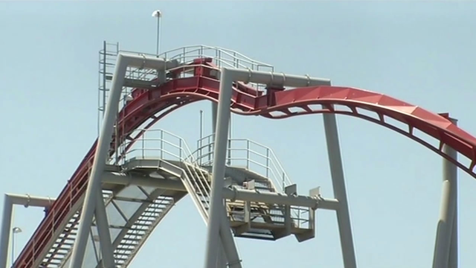 Roller coaster accident leaves 2 injured at Great America