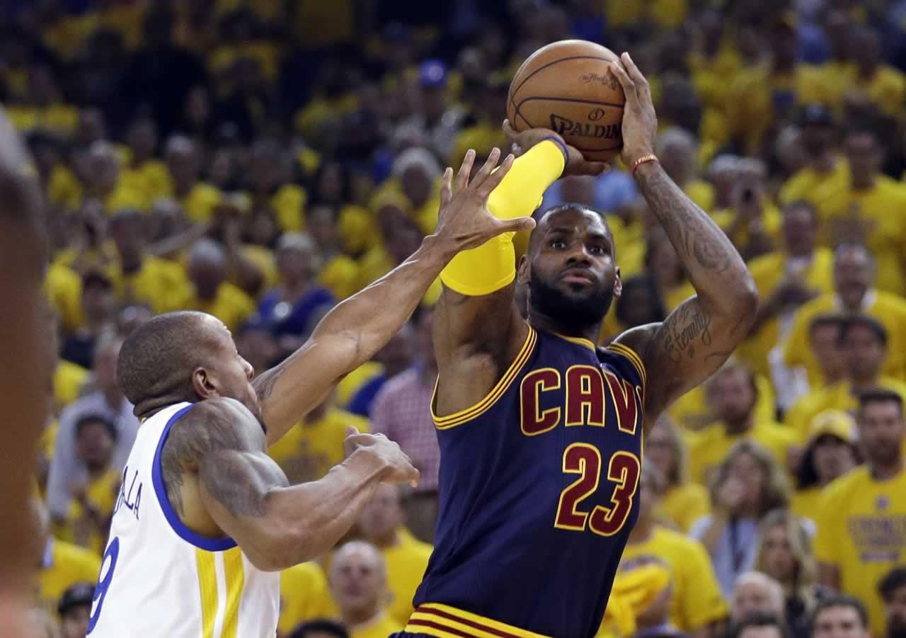 PHOTOS: Golden State Warriors in 2015 NBA Playoffs ...