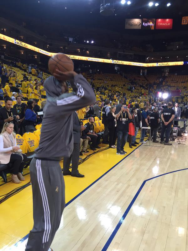 "<div class=""meta image-caption""><div class=""origin-logo origin-image none""><span>none</span></div><span class=""caption-text"">JR ""Swish"" warms up before Game 5 of the NBA Finals on Sunday, June 14, 2015 in Oakland, Calif. (KGO-TV)</span></div>"
