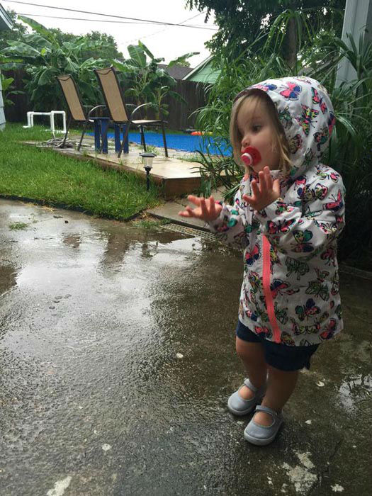 """<div class=""""meta image-caption""""><div class=""""origin-logo origin-image none""""><span>none</span></div><span class=""""caption-text"""">Viewers and ABC-13 Eyewitness News crews caught these images of Tropical Storm Bill. (KTRK Photo/ #abc13eyeitness)</span></div>"""