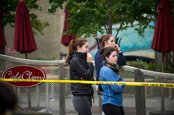 """<div class=""""meta image-caption""""><div class=""""origin-logo origin-image none""""><span>none</span></div><span class=""""caption-text"""">People gather at the scene of a balcony collapse in Berkeley, Calif. on Tuesday, June 16, 2015. (AP Photo/ Noah Berger)</span></div>"""