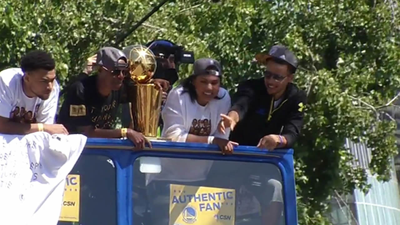 "<div class=""meta image-caption""><div class=""origin-logo origin-image none""><span>none</span></div><span class=""caption-text"">Steph Curry and Andre Iguodala at the Golden State Warriors parade in Oakland on Friday, June 19, 2015.</span></div>"
