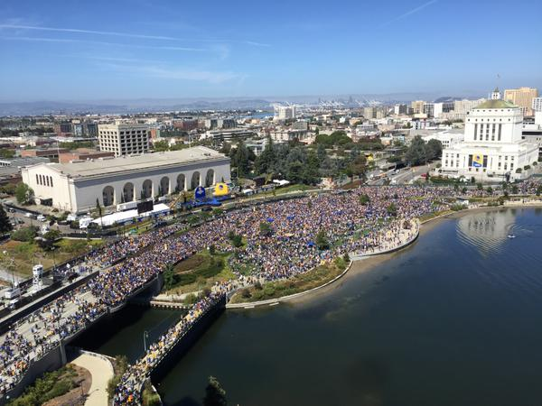 "<div class=""meta image-caption""><div class=""origin-logo origin-image none""><span>none</span></div><span class=""caption-text"">Thousands gather at the Kaiser Convention Center in Oakland, Calif. to celebrate the Warriors on Friday, June 19, 2015. (Photo submitted to KGO-TV by OnlyInOakland/Twitter)</span></div>"