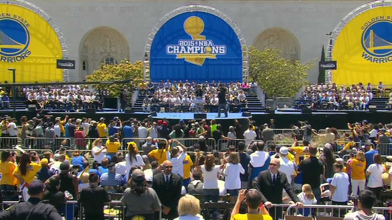 "<div class=""meta image-caption""><div class=""origin-logo origin-image none""><span>none</span></div><span class=""caption-text"">The crowd goes wild at the rally honoring the Golden State Warriors NBA championship win outside Oakland's Kaiser Convention Center on Friday, June 19, 2015. (KGO-TV)</span></div>"