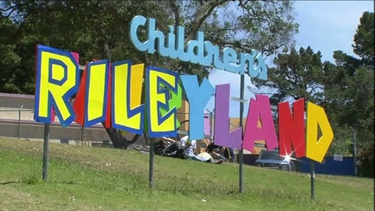 "Children's Fairyland on Lake Merritt in Oakland changed its colorful sign to read ""Rileyland"" to honor Steph Curry's daughter on Friday, June 19, 2015."
