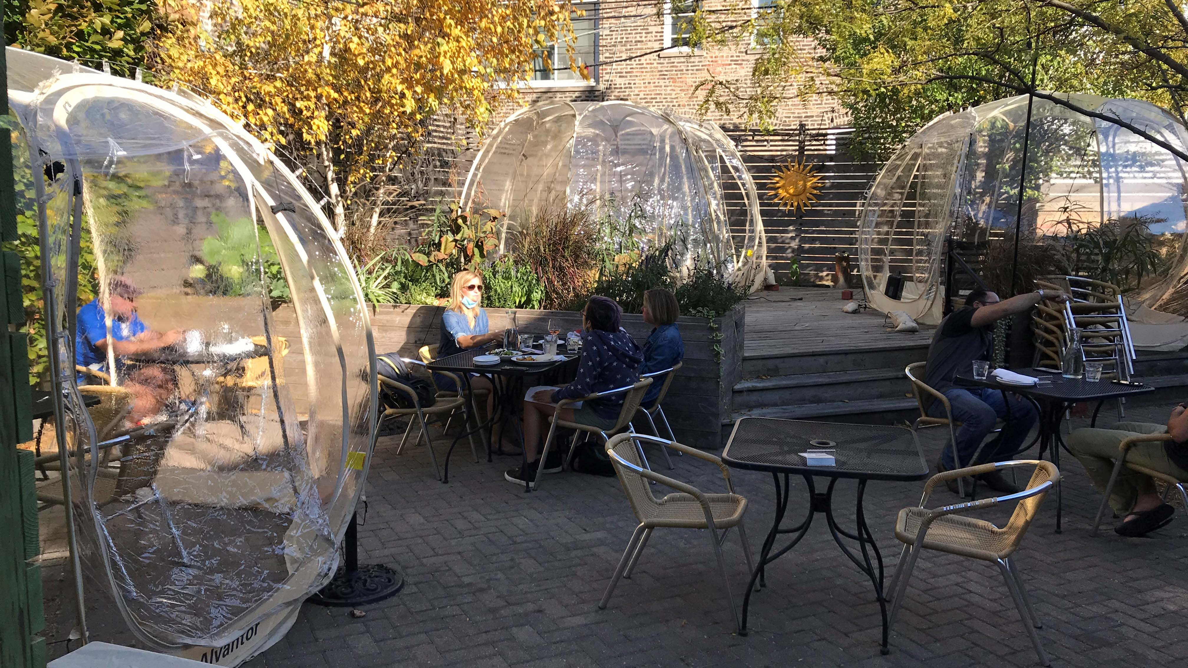 Chicago Restaurants Scramble To Winterize Outdoor Dining Amid Covid 19 Restrictions Abc7 Chicago