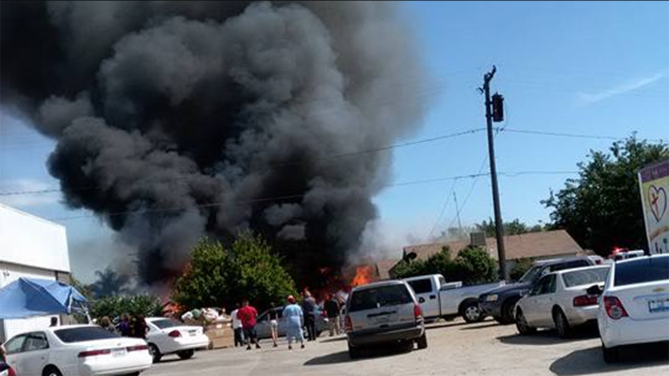 Fire on Tulare & Latimer street in Tulare